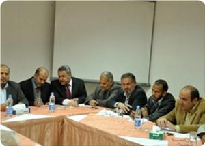 images_News_2013_04_30_factional-meeting01_300_0[1]