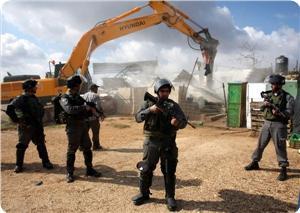 images_News_2013_05_17_demolition-of-shacks_300_0[1]
