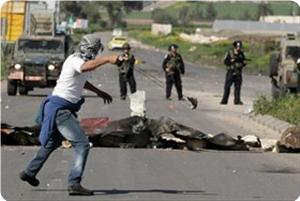 images_News_2013_05_31_clashes07_300_0[1]