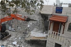 images_News_2013_06_17_demolition13_300_0[1]