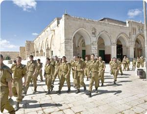 images_News_2013_07_03_aqsa-iof-troops_300_0[1]