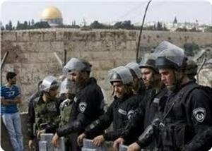 images_News_2013_07_03_soldiers-at-aqsa_300_0[1]