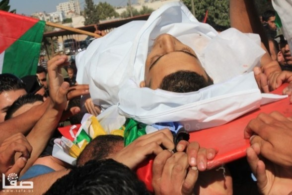 The Funeral of Shaheed Muatazz Idreis Sharawnah | 19 years old. Killed by the Israeli Army | July 2, 2013 Photo by SAFA