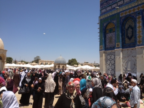 Aug 2 2013 - 400 thousand worshipers attend last friday of Ramadan prayers at Aqsa Mosque - Photo by Safa (23)