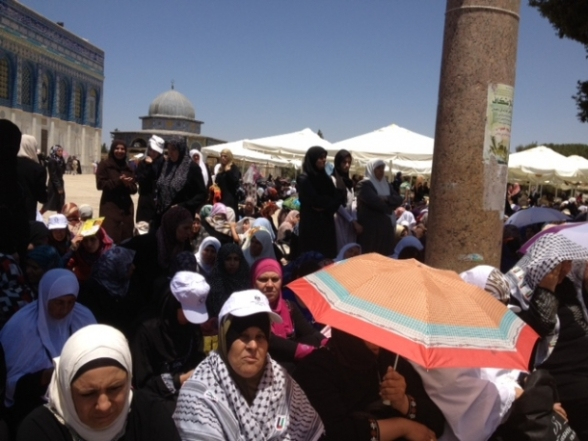 Aug 2 2013 - 400 thousand worshipers attend last friday of Ramadan prayers at Aqsa Mosque - Photo by Safa (37)