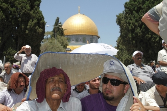 Aug 2 2013 - 400 thousand worshipers attend last friday of Ramadan prayers at Aqsa Mosque - Photo by Safa (4)