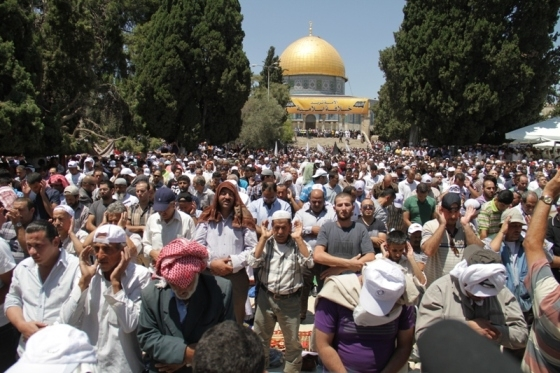 Aug 2 2013 - 400 thousand worshipers attend last friday of Ramadan prayers at Aqsa Mosque - Photo by Safa (40)