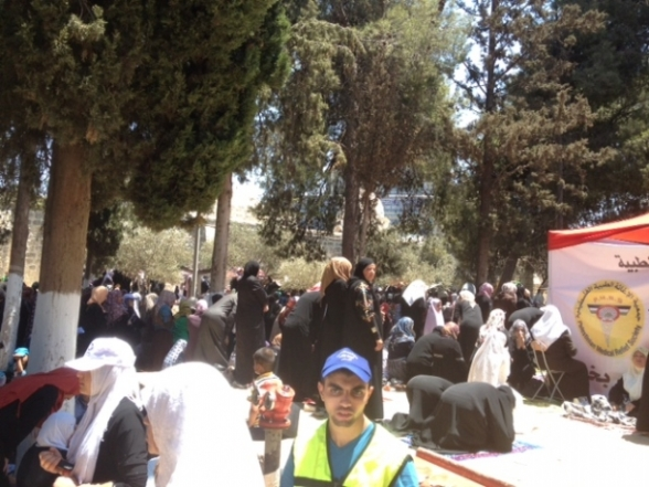 Aug 2 2013 - 400 thousand worshipers attend last friday of Ramadan prayers at Aqsa Mosque - Photo by Safa (9)