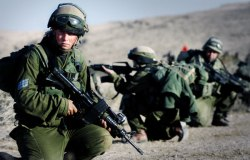 female-israeli-soldiers-training[1]