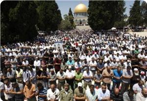 images_News_2013_08_09_aqsa-prayers_300_0[1]