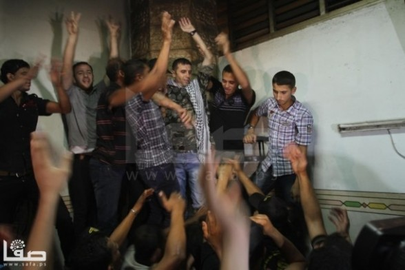 Prisoners released by Israel arrive home. Aug 14, 2013 Photo by SAFA