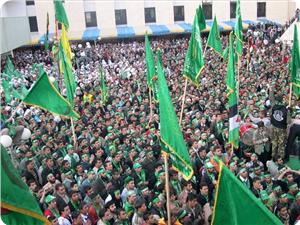 images_News_2013_09_04_Hamas-masses_300_0[1]
