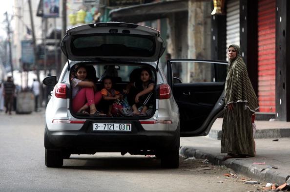 Palestinians fleeing from Israeli attacks